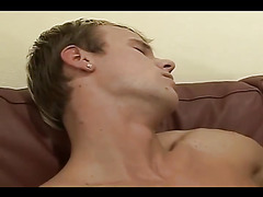 Smooth hotties suck each other