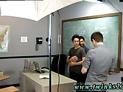 Gay twink fucks granny Just another day at the Teach Twinks office! Jason Alcok helps his