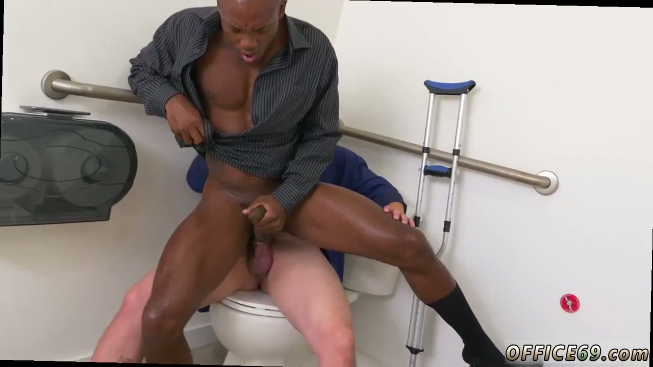 Timo Garrett Enjoys Blowjob