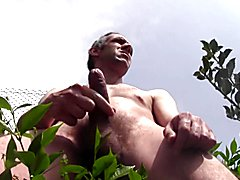 HUGE CUM SHOWER OUTDOOR, NAKED, IN PUBLIC, AMATEUR SOLO MALE